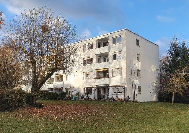 1456 – Großzügige 4 Zimmer-Wohnung mit Einzelgarage und Riesenkellerraum!